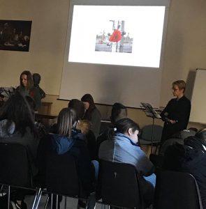 """Lettura di """"DONNE DI RAVENSBRUCK"""" in classe"""